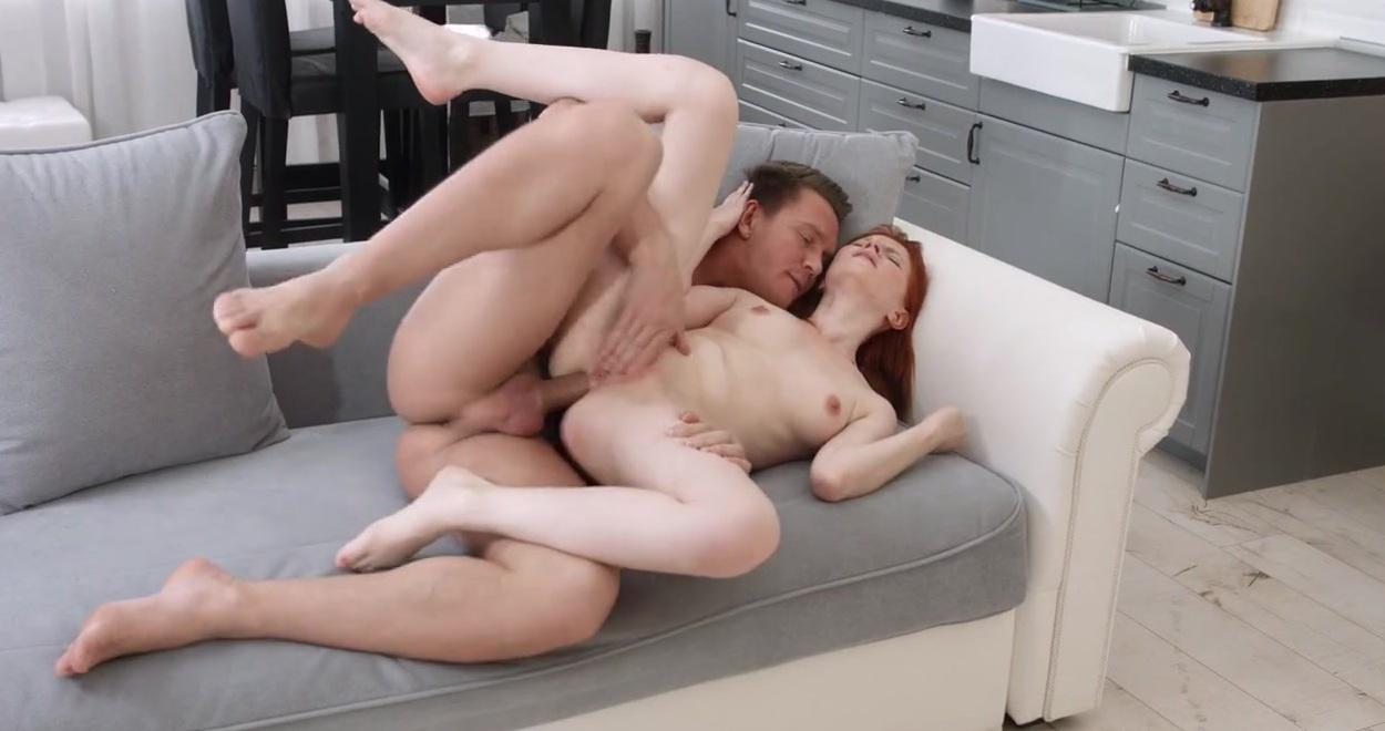 Порно С Рыжей На Столе