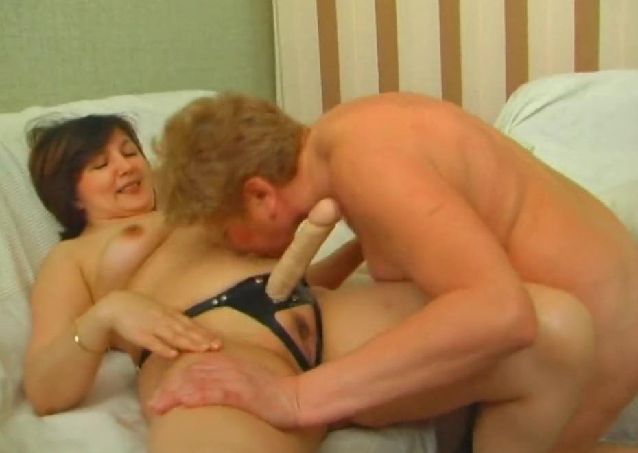 Порно Русских Зрелых Лесбиянок Со Страпоном