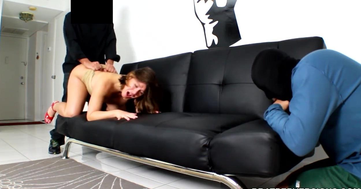 Порно Два Парня Лижут Киску