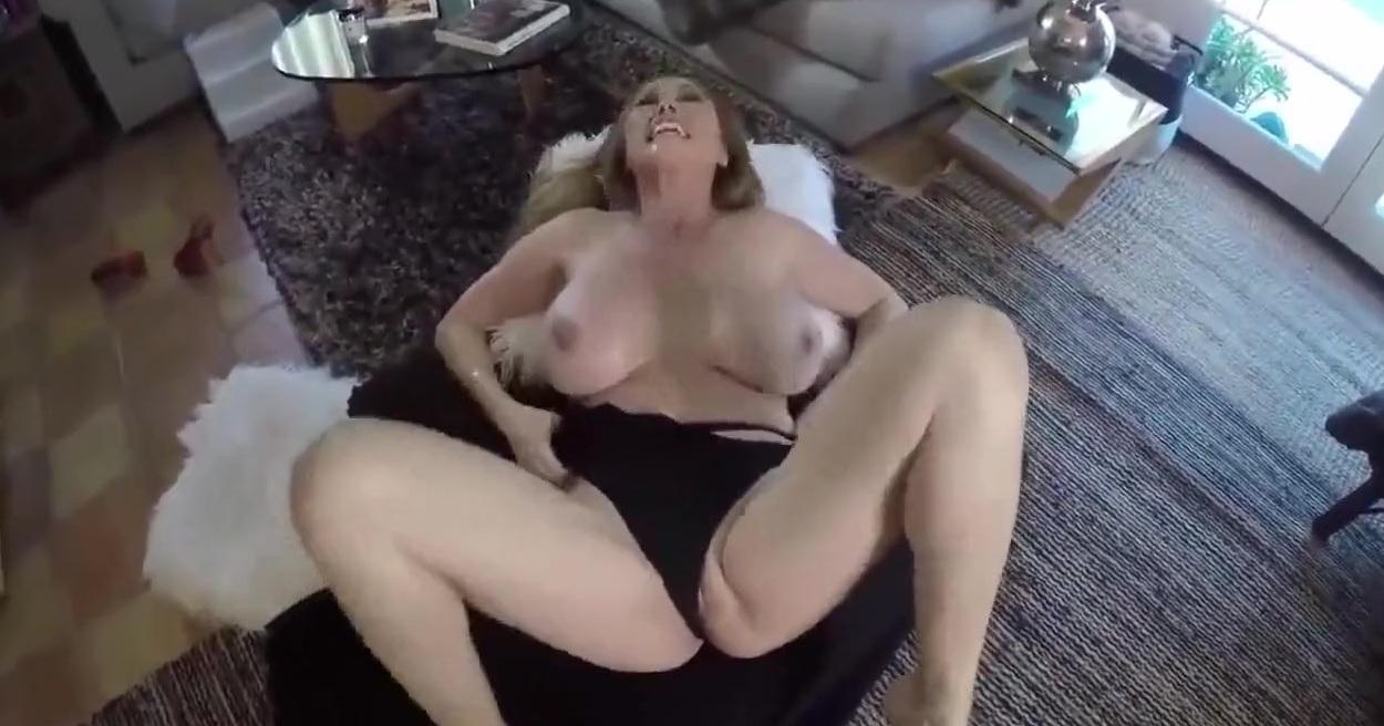 Минет В Место Завтрака  Порно Смотреть Онлайн В HD Качестве