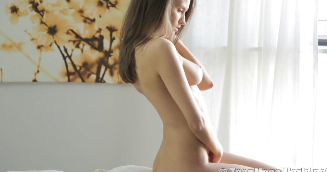 Женщины Раздеваются И Показывают Свое Тело Эротика