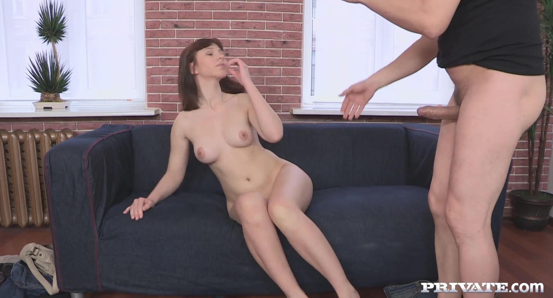 Снял девку на улице для порно кастинга